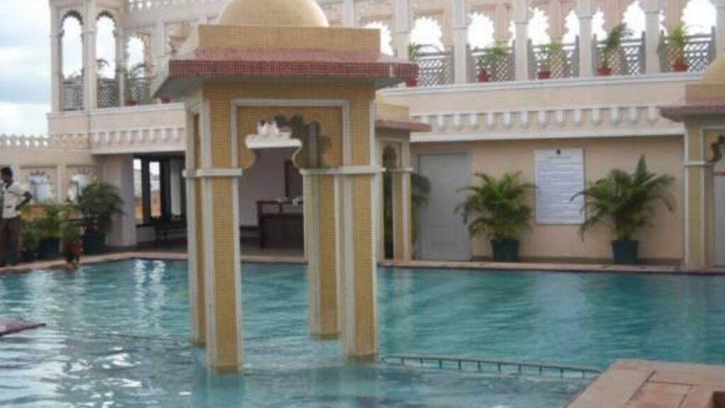 Empir Hotel Empires,Saheed Nagares, Bhubaneswar
