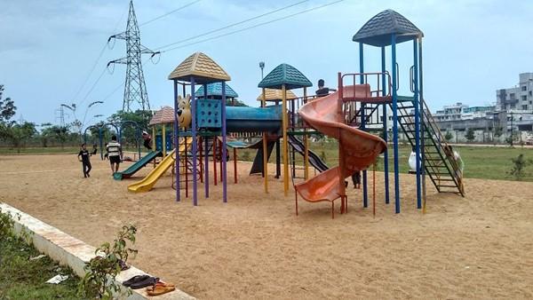 kelucharan park bbsr kids zone