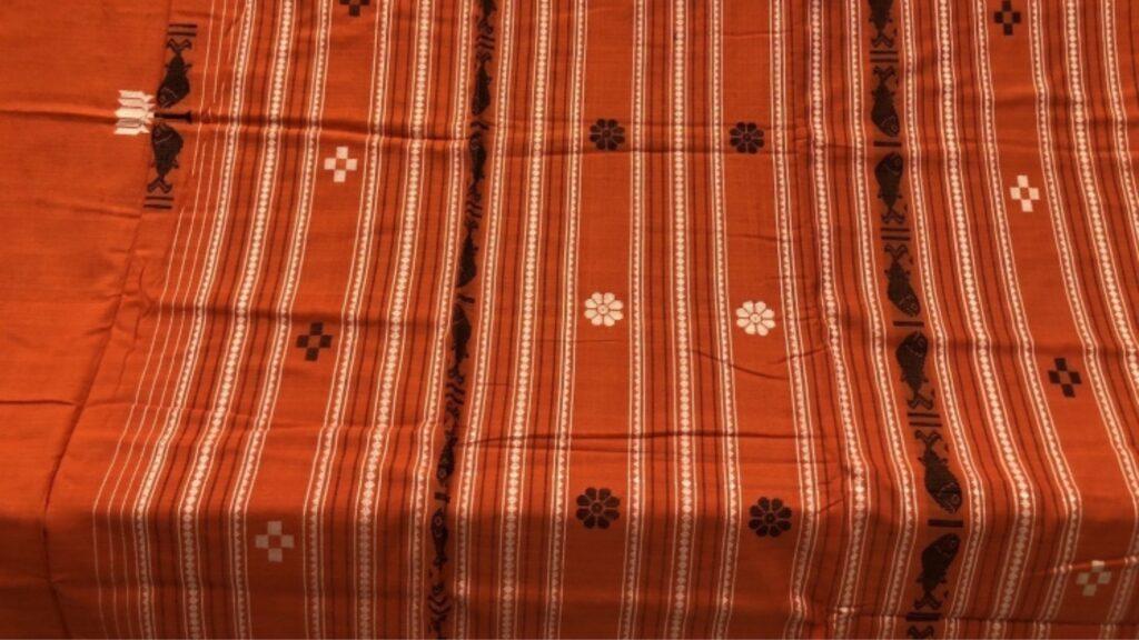 dhalapathar traditional saree of dhalapathar